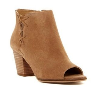 Lucky Brand Heather suede peep toe booties size 13